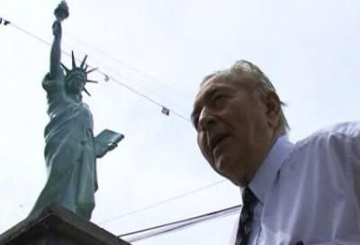 statuia libertatii la boldesti scaieni-sculptura cristian petru bala -SUA-2014