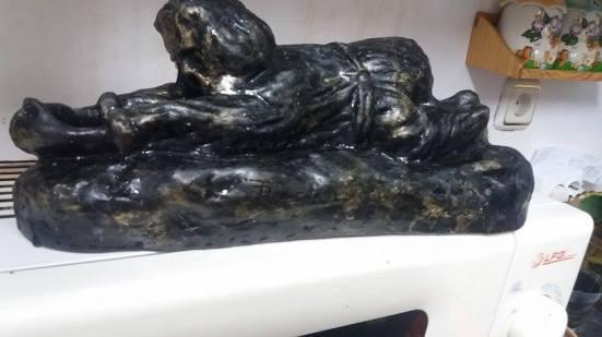 cristian petru balan-sculptura (ceramica)-calugar ortodox rugandu-se